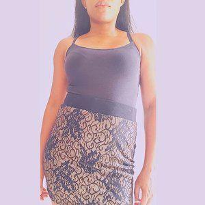 B L A C K / C H A M P A G N E Lace Mini Skirt